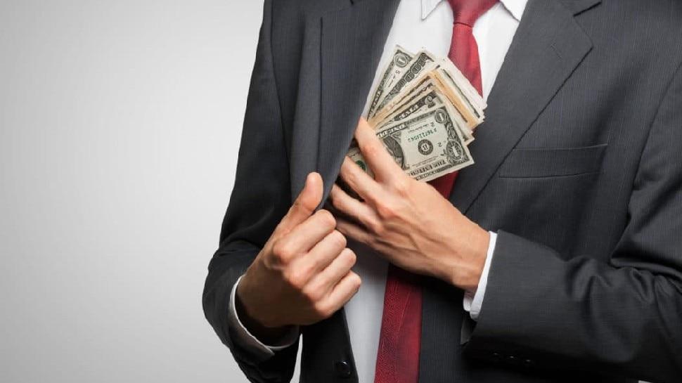जानिए कौन सी हैं वो आदतें, जो इंसान को अमीर बनाती हैं?