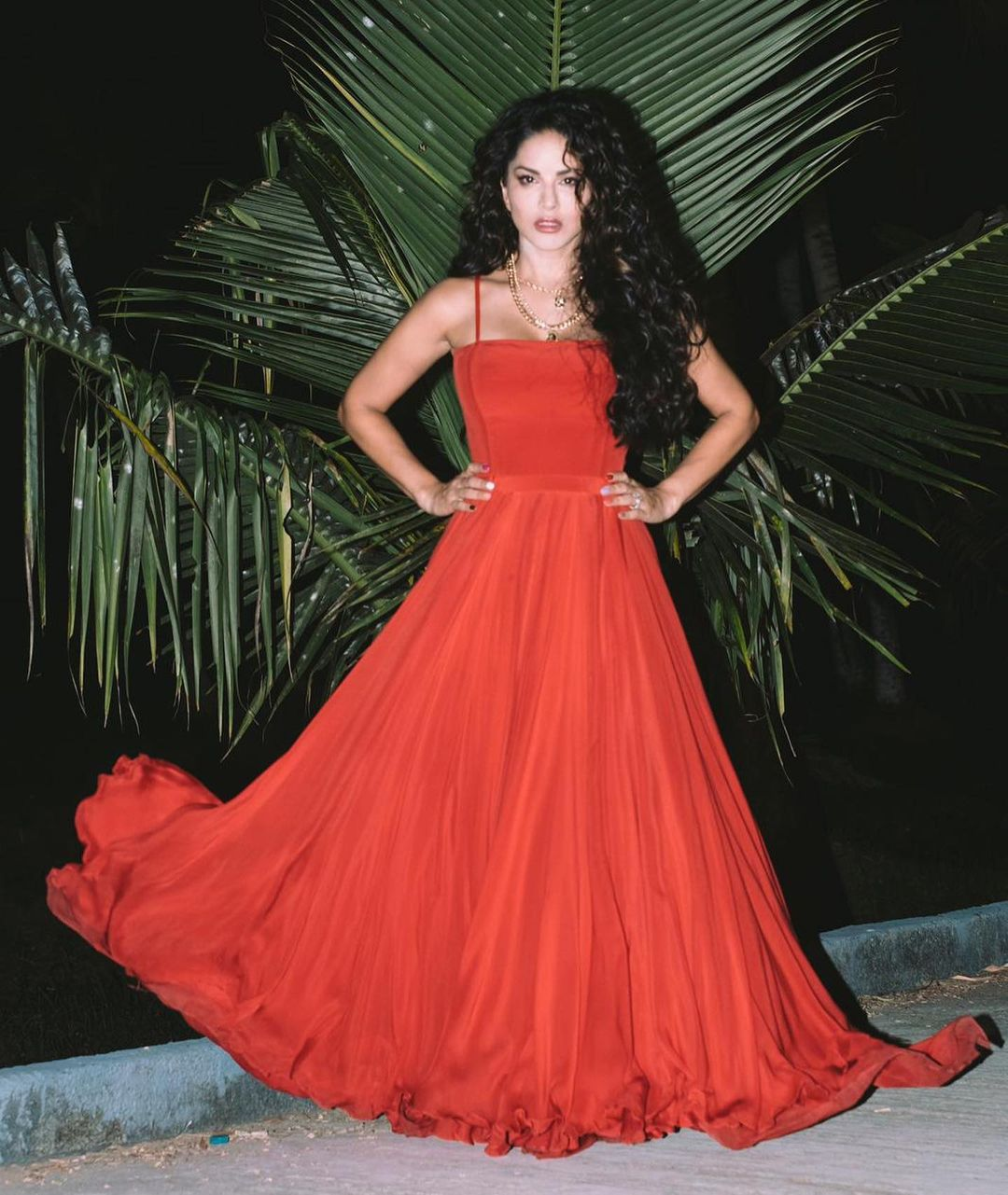 Sunny Leone red gown look