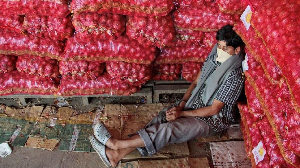 onion prices slashed in mumbai