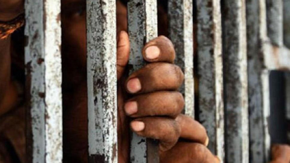 प्रेमिका का दिल जीतने के लिए उसके घर में ही की चोरी, ऐसे पहुंच गया जेल