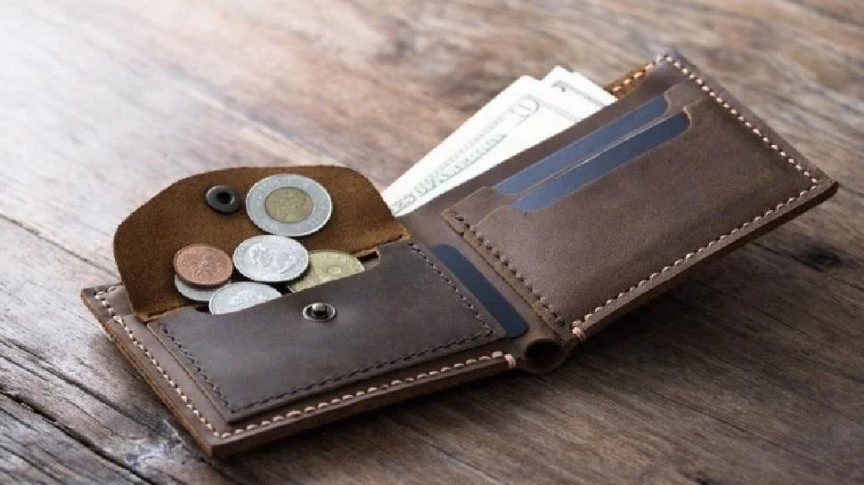 काम की खबर: अपने पर्स में आप भी रखते हैं यह 5 चीजें तो तुरंत बाहर कर दें, होते हैं यह बड़े नुकसान