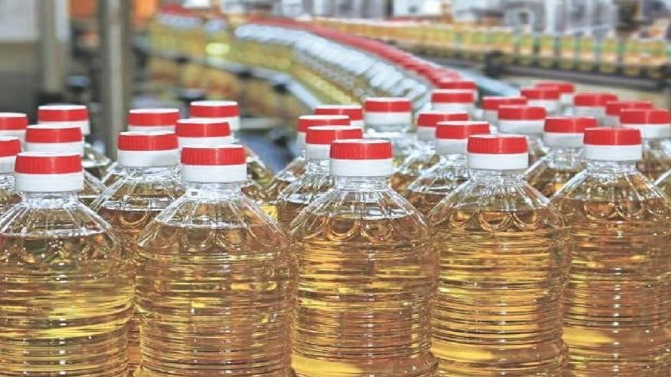 पेट्रोल के बाद अब खाने का तेल भी महंगा, साल भर में 60 परसेंट तक बढ़ गए दाम!