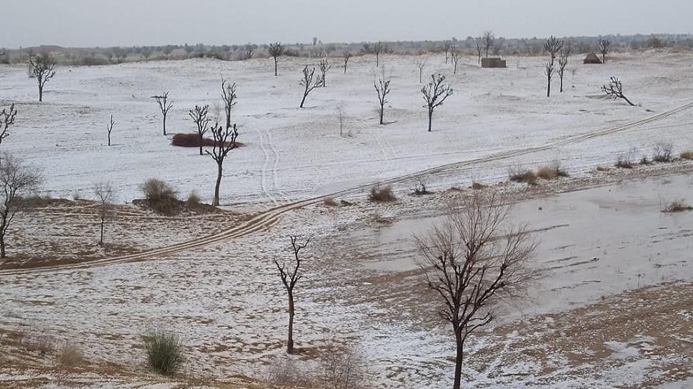 Bikaner News: चंद मिनटों में सफेद चादर में लिपटा रेगिस्तान, भारी ओलावृष्टि से फसलें खराब