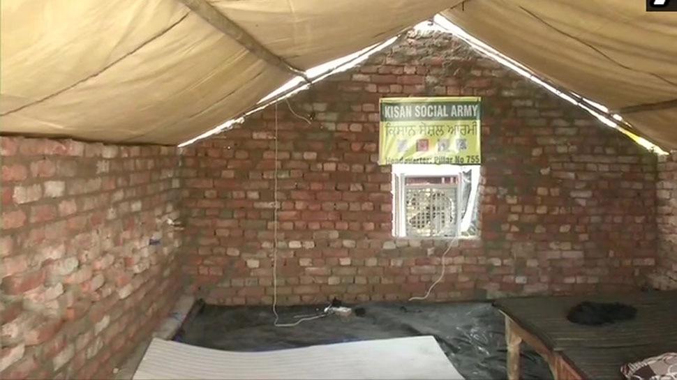 Farmers Protest: गर्मी बढ़ने से किसान परेशान, सड़कों पर ईंट-सीमेंट से बना रहे हैं Permanent Shelter