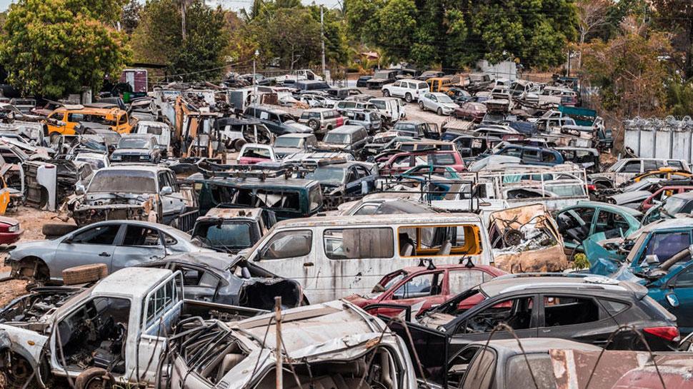 Khaskhabar/सड़क परिवहन और राजमार्ग मंत्रालय ने 15 साल पुराने सरकारी और निजी वाहनों को स्क्रैप पॉलिसी लेकर बड़ा फैसला लिया है. जिसके मुताबिक प्रदेश में अब 15 साल पुराने सरकारी और निजी वाहनों का रजिस्ट्रेशन नहीं किया जाएगा. साथ