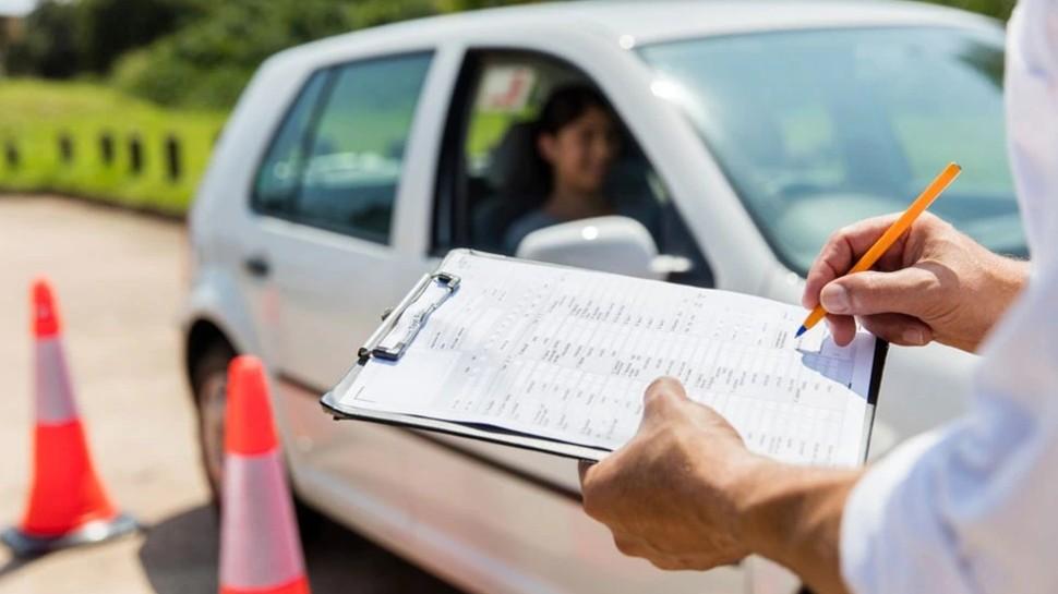 अब ऐसे ही नहीं बन जाएगा नया Driving Licence! पहले पूरा करना होगा Video Tutorial का कोर्स