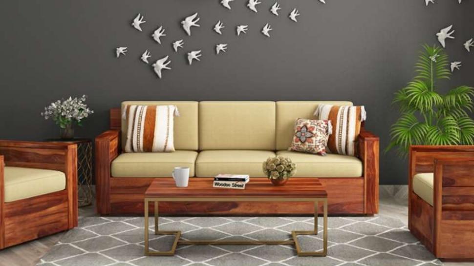 Vastu Tips: फर्नीचर खरीदते वक्त इन बातों का रखें ध्यान, नहीं होगा आर्थिक नुकसान