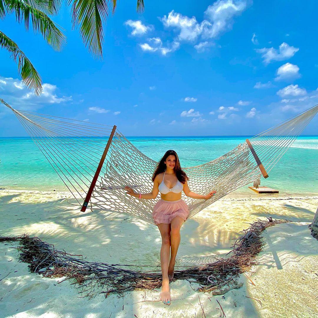 Chetna Pande on beach