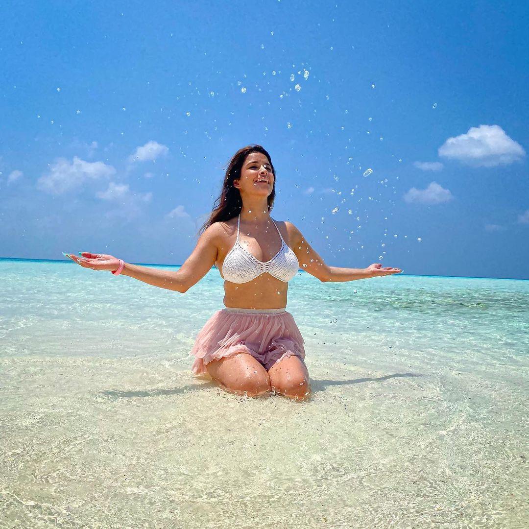 Chetna Pande beach photos