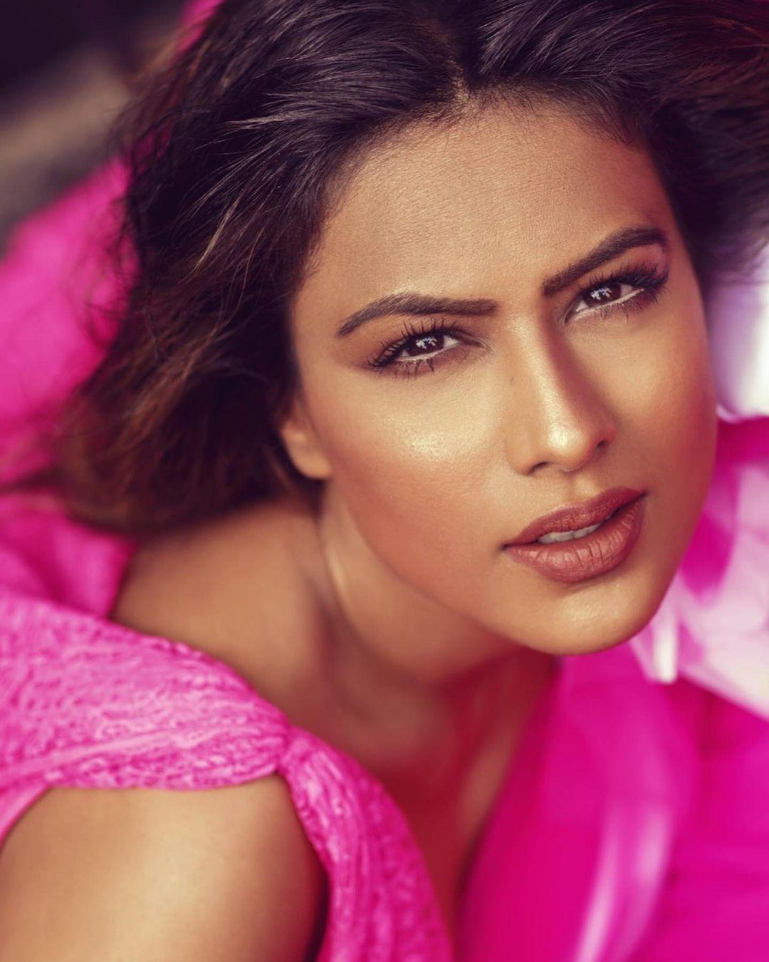 Nia Sharma new pics