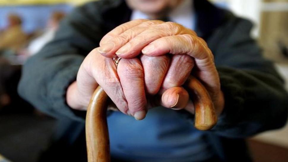 सरकारी कर्मचारियों के लिए बड़ी खुशखबरी! NPS को छोड़कर पुरानी Pension स्कीम का ले सकते हैं फायदा
