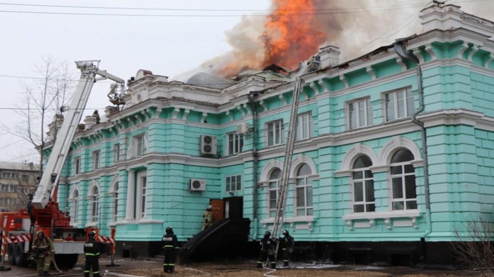Russian Doctors ने पेश की मिसाल, जलते Hospital में करते रहे Open-Heart Surgery, बचाई मरीज की जान