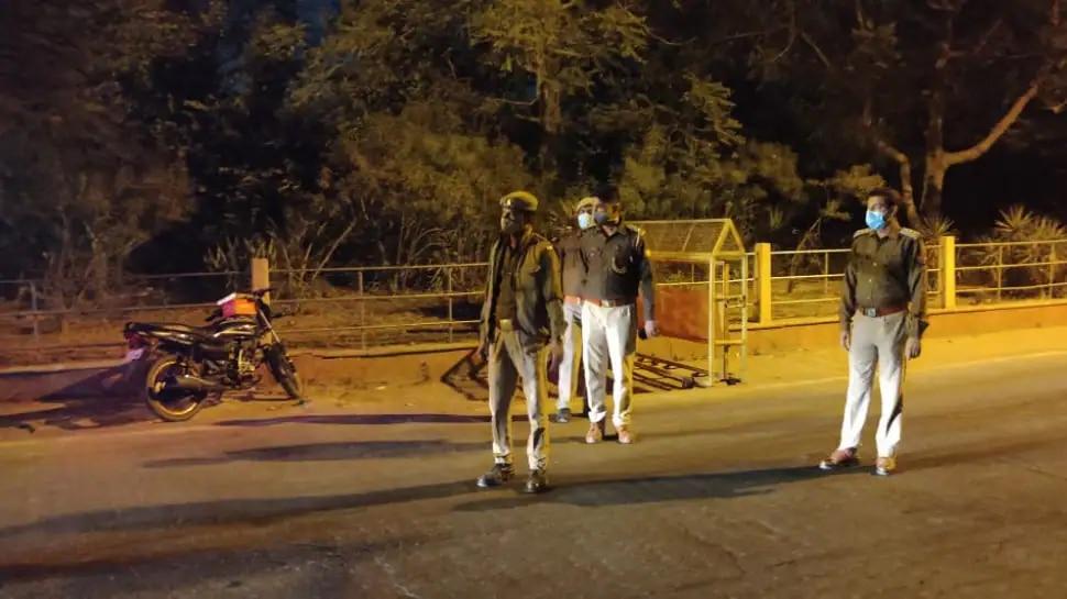 Delhi Night Curfew: ई-पास पाने की होड़, अब तक 73,000 से ज्यादा ने किया आवेदन, लेकिन मंजूरी की रफ्तार धीमी