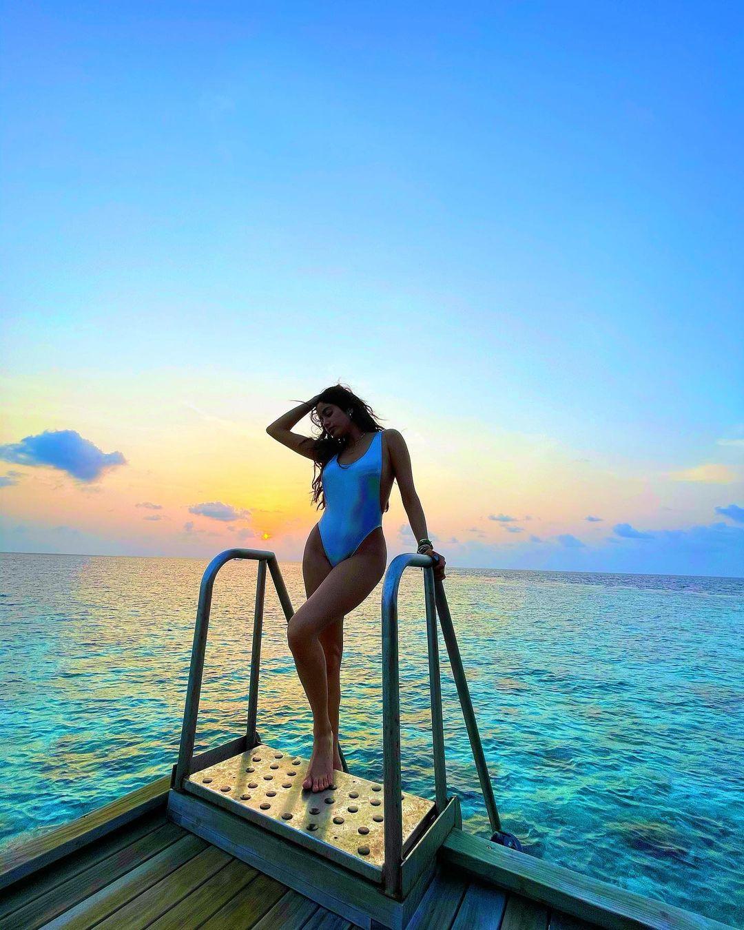 janhvi kapoor in maldives