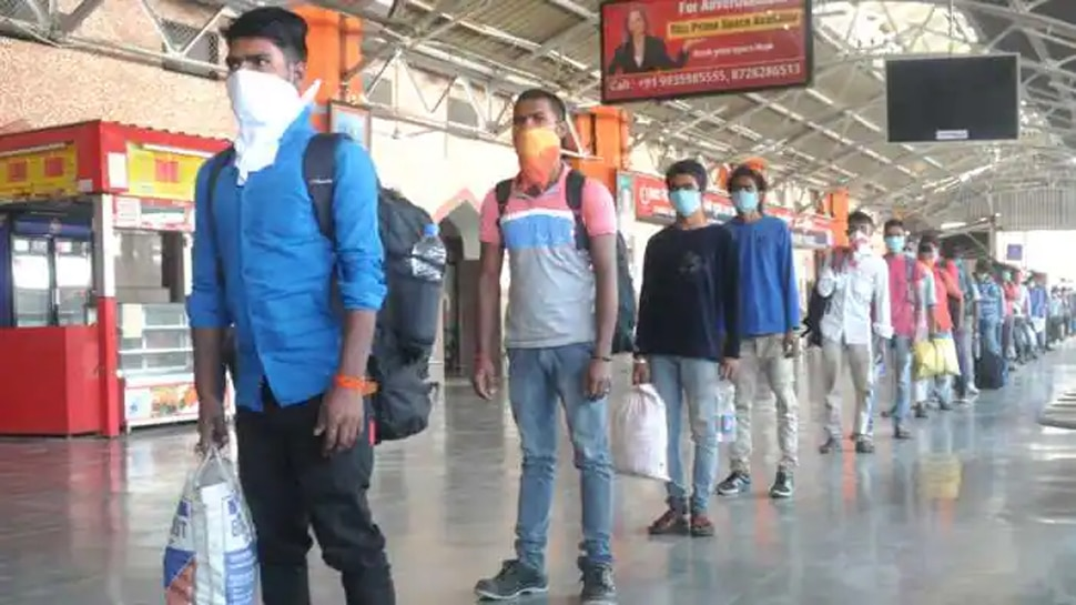 प्लेटफॉर्म पर मास्क नहीं पहनने वालों पर 100 रुपये का जुर्माना लगाएगी पश्चिम मध्य रेलवे