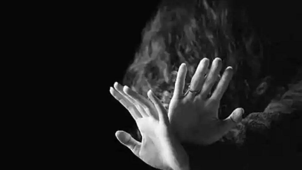 Gang Rape: 15 साल की नाबालिग से पार्क के अंदर दरिंदगी, 3 आरोपियों की तलाश में जुटी Police