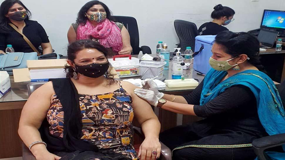 आज से देश में 'टीका उत्सव', पीएम Narendra Modi के निर्देश के बाद Corona Vaccination तेज करने की मुहिम