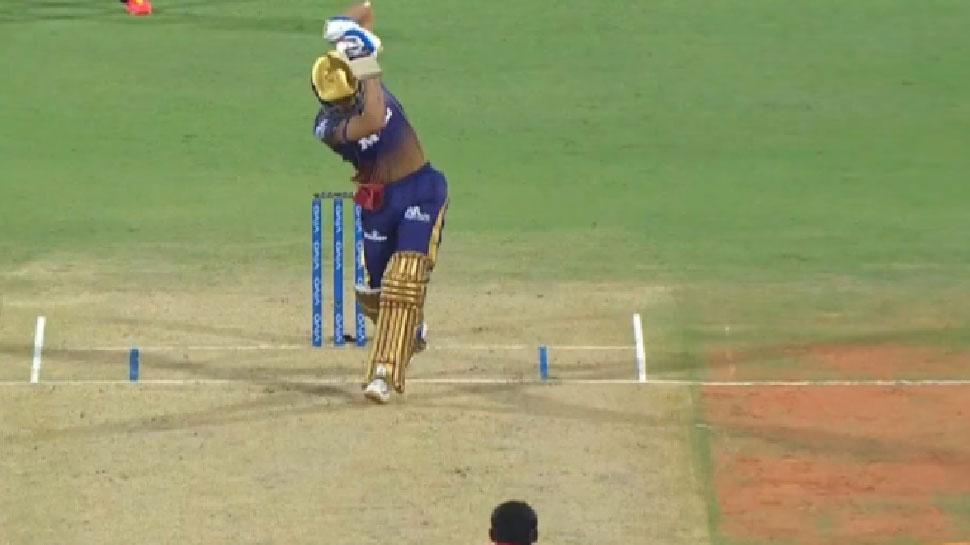IPL 2021: Shubman Gill ने बिना देखे मारा शानदार छक्का, फैंस भी रह गए हैरान