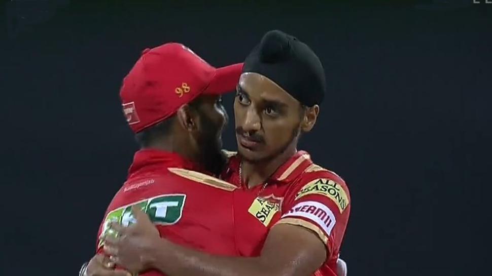 IPL 2021: Punjab Kings का ये बॉलर आखिरी ओवर में बन गया हीरो, हार के जबड़े से छीन ली जीत