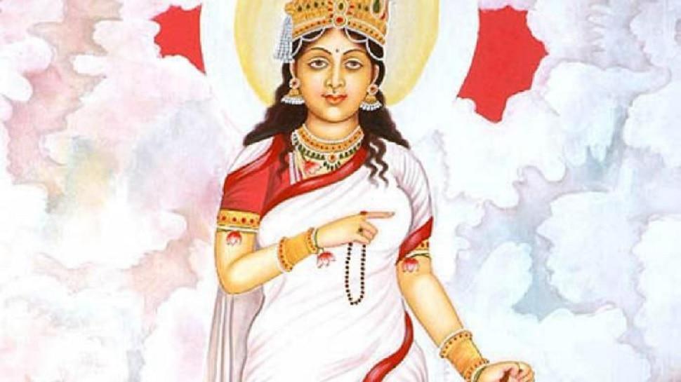 नवरात्रि दूसरा दिन: आज होगी मां ब्रह्मचारिणी की पूजा, जानिए विधि..