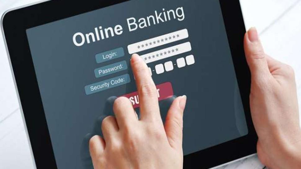 Online Bank Fraud हुआ तो मिनटों में वापस आएगी रकम, सरकार की इस हेल्पलाइन नंबर पर करें फोन