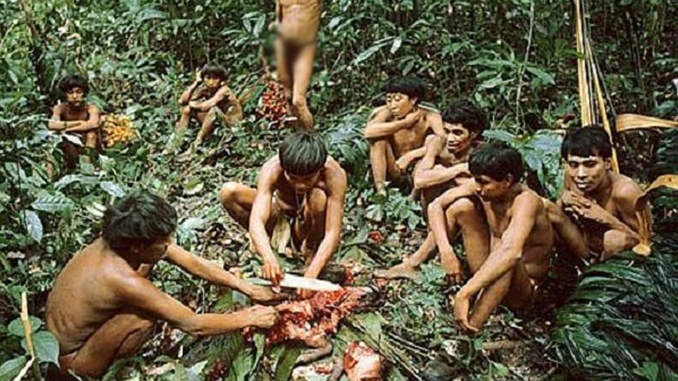 मरने के बाद लाशों को खा जाती है ये जनजाति, हैरान कर देगी ये अजीबोगरीब परंपरा