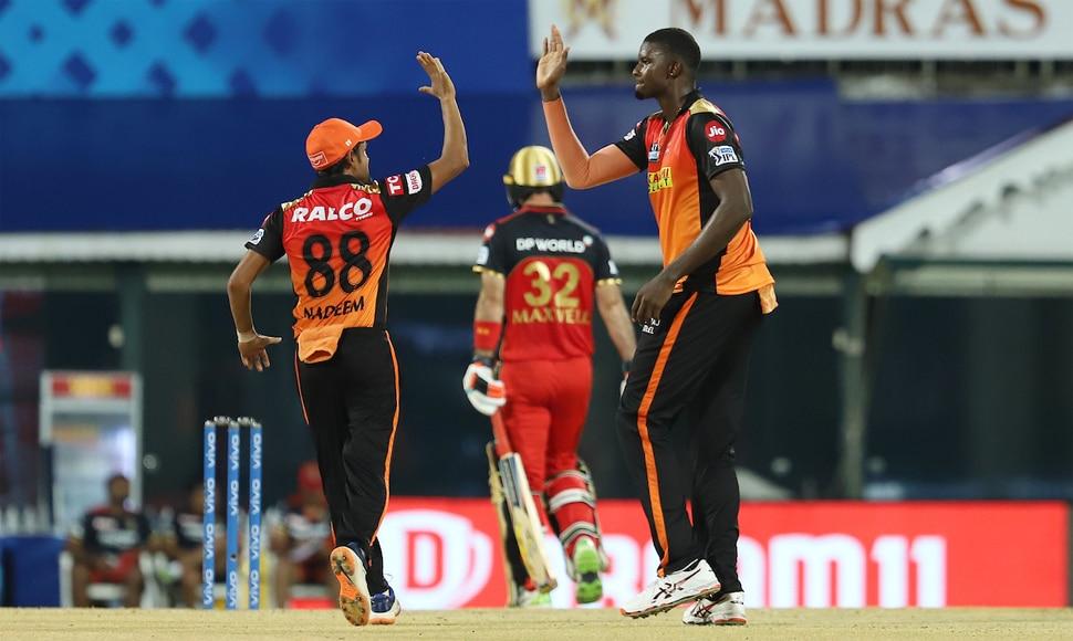 SRH Vs RCB: बैंगलोर ने हैदराबाद को दिया महज़ 150 रनों का लक्ष्य