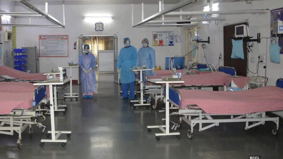 दिल्ली में बेकाबू Coronavirus, टूटे सारे रिकॉर्ड; अस्पतालों से जोड़े जाएंगे बैंक्वेट हॉल