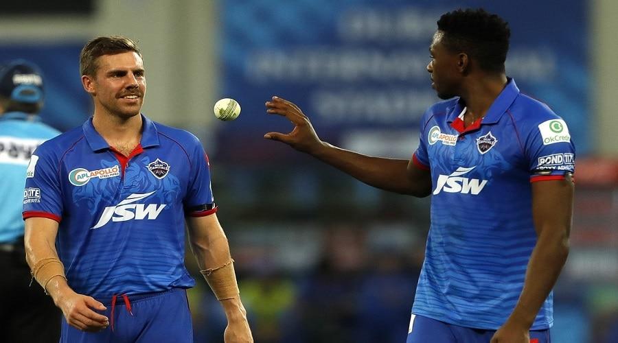 दिल्ली कैपिटल्स के लिये बुरी खबर, बीच सीजन कोरोना की चपेट में आया धाकड़ खिलाड़ी