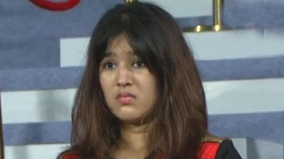 IPL: सोशल मीडिया पर SRH की इस नई मिस्ट्री गर्ल के चर्चे, Kaviya Maran के साथ आईं नजर