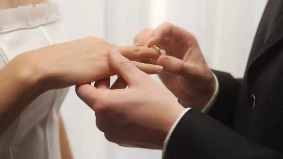 Taiwan में Bank Clerk ने छुट्टी के लिए एक ही लड़की से चार बार की Marriage और तीन बार दिया Divorce