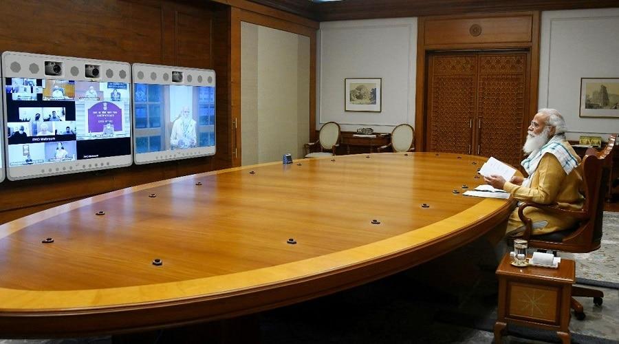 कोरोना का देश में नहीं थम रहा है कहर, पीएम मोदी ने की समीक्षा बैठक