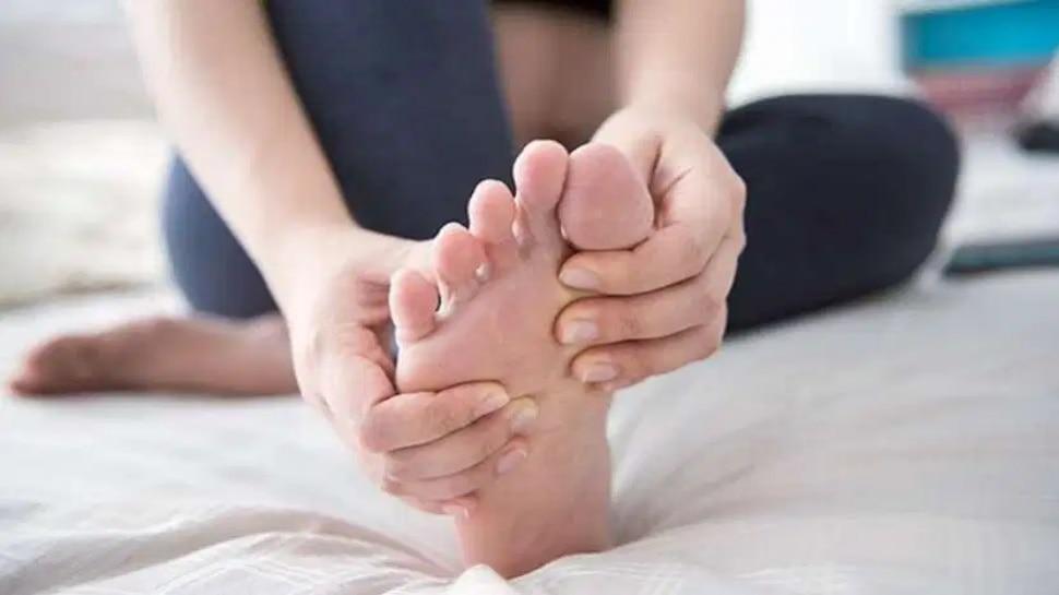 Feet will give Disease Signs: पैरों से जुड़ी दिक्कतों से जानें, आपको डायबिटीज या हृदय रोग तो नहीं!