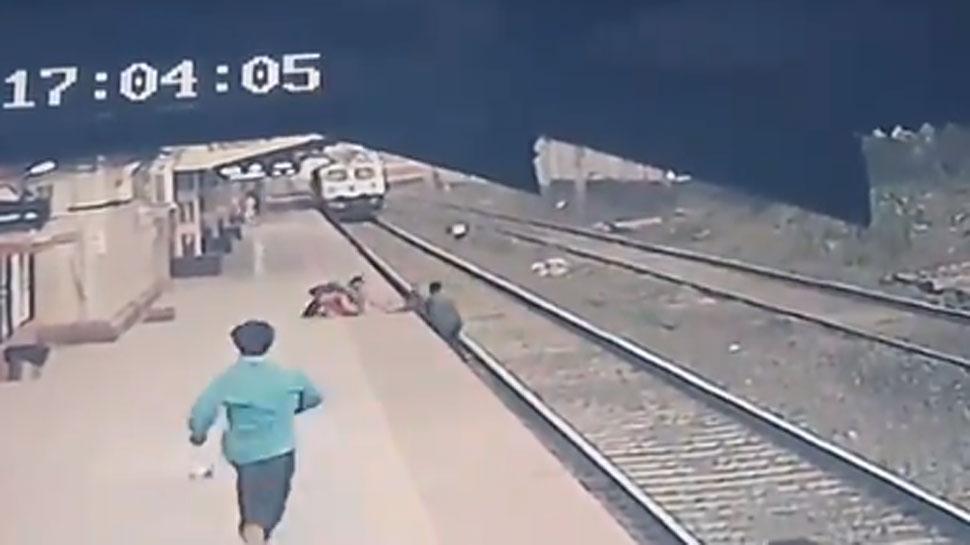 Maharashtra: रेलवे कर्मचारी ने तेज रफ्तार Train से बचाई बच्चे की जान, केंद्रीय मंत्री Piyush Goyal ने की तारीफ