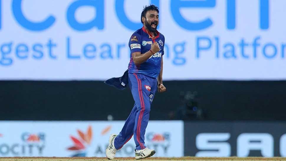 DC vs MI: Amit Mishra की बेहतरीन गेंदबाजी पर फैंस बोले, 'शेर की उम्र ज्यादा है लेकिन बूढ़ा नहीं हुआ वो'