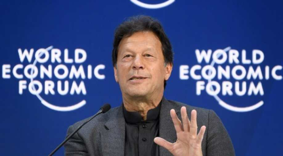 Imran Khan shares Bollywood movie clip to attack opponents Imran Khan shares Bollywood movie 'Inquilab' clip to target opponents, but becomes a troll