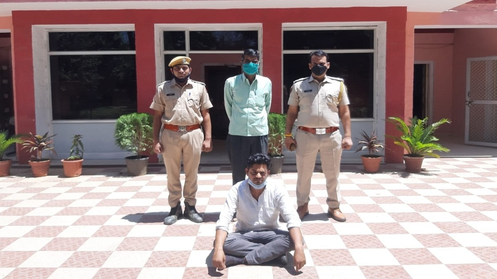 Jaipur : ज्वेलर्स की दुकान पर हुई डकैती का पर्दाफाश, माल खरीदने वाला सुनार गिरफ्तार