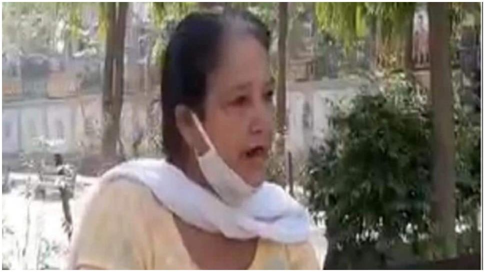 Viral Video: डॉली आंटी ने Delhi CM से लगाई गुहार, ठेके खोलने की रखी बात