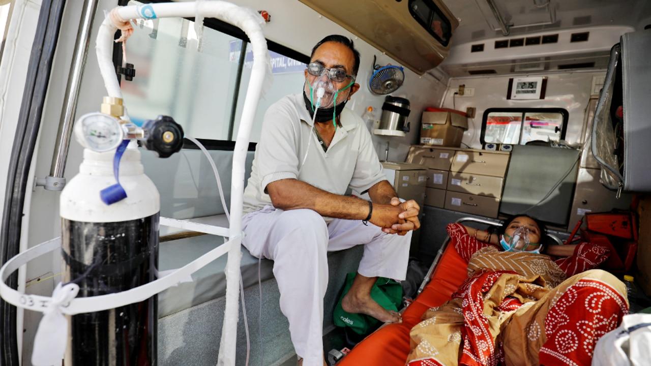 भारत में नहीं थम रही Corona की रफ्तार, 24 घंटे में आए 3.82 लाख नए केस; 3786 लोगों की गई जान