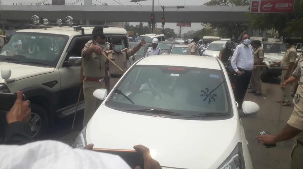 पटना: Lockdown को सफल बनाने के लिए सड़क पर उतरे DM-SSP, डंडा लेकर किया कुछ ऐसा