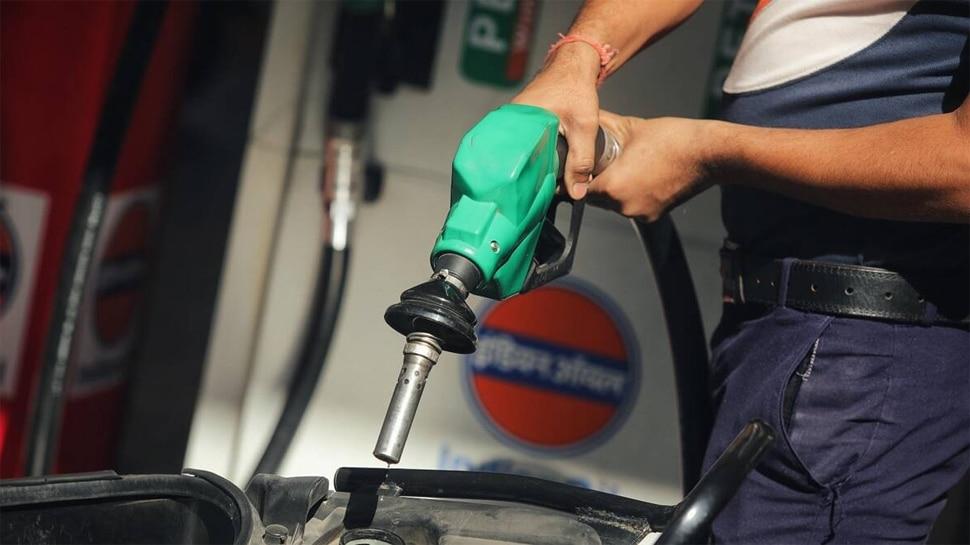 Petrol Price Today 06 May 2021: लगातार तीसरे दिन महंगाई का झटका, जानें आज कितनी बढ़ी पेट्रोल-डीजल की कीमतें