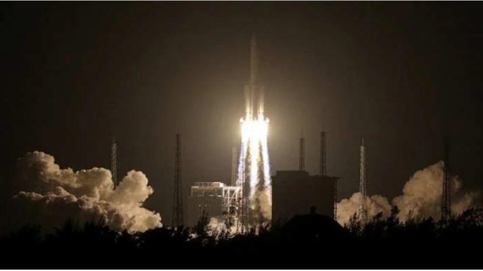 धरती की ओर लौट रहे रॉकेट को लेकर चीन ने साधी चुप्पी, मचा सकता है बड़ी तबाही