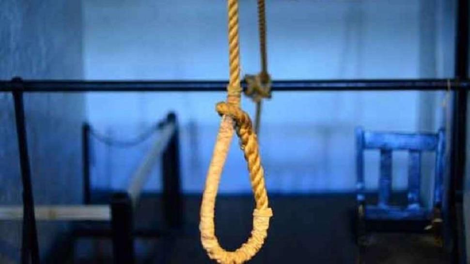 Alwar: महिला ने फांसी लगाकर की आत्महत्या, परिजनों ने ससुराल वालों पर लगाया आरोप