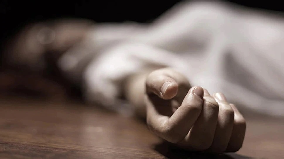Dausa: मौत के बाद शवों की दुर्दशा! एंबुलेंस के लिए भटक रहे शव