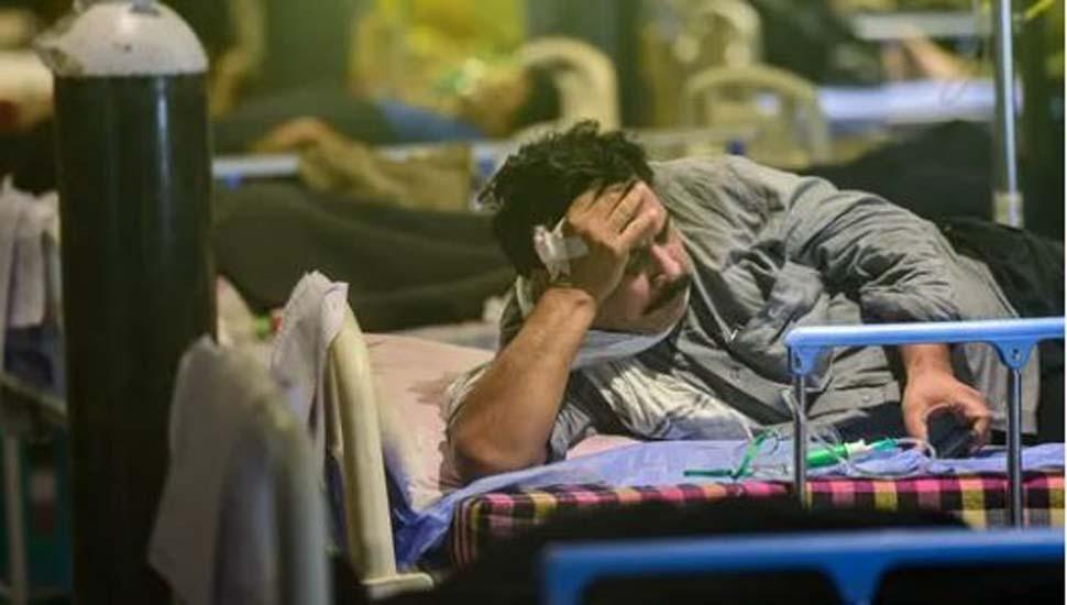 Delhi: कोरोना के 17,364 नए मामले, जानिए 3 दिन में इंफेक्शन रेट में कितनी फीसदी आई गिरावट