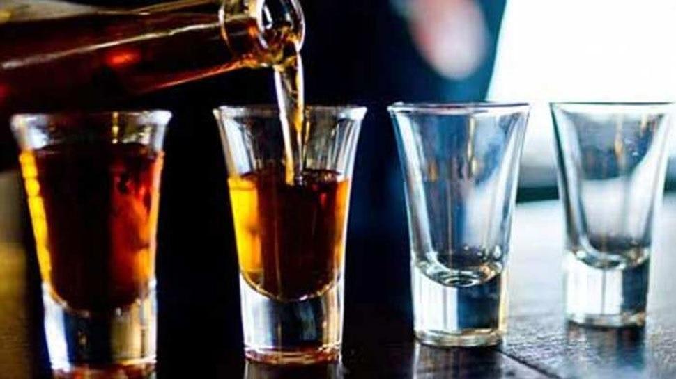 भूपेश की तर्ज पर शिवराज सरकार: अब MP में भी शराब की होम डिलीवरी, नई आबकारी नीति में प्रस्ताव