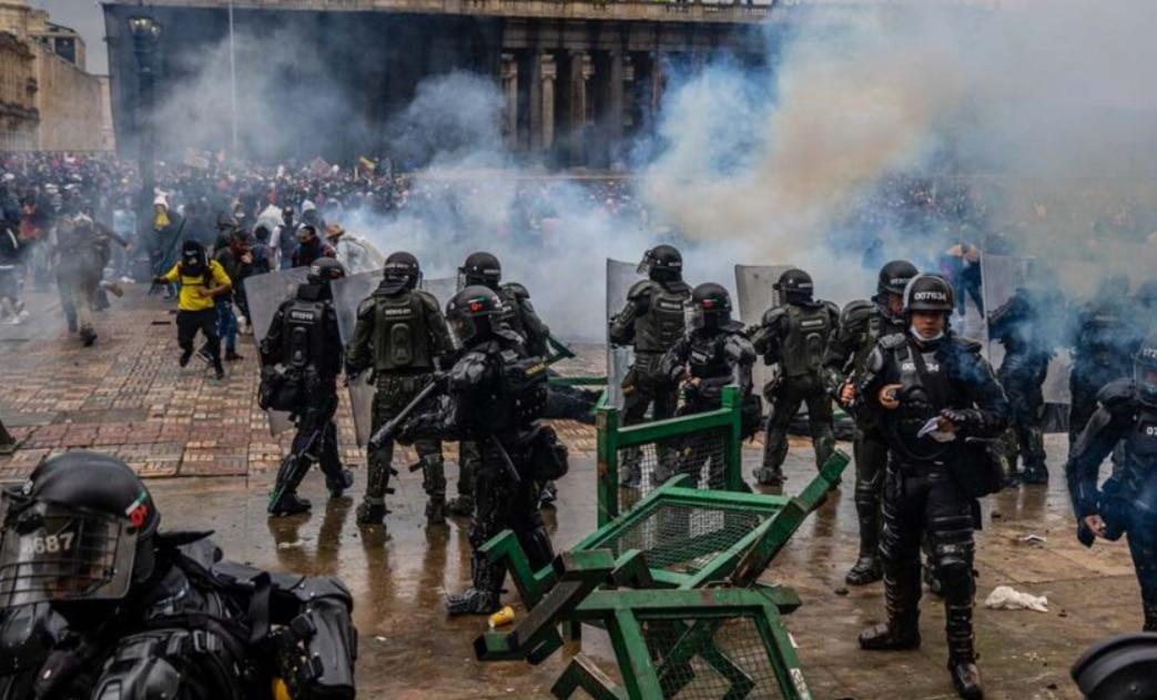 कोलंबिया में प्रदर्शनों के दौरान 42 लोगों की मौत: मानवाधिकार एजेंसी