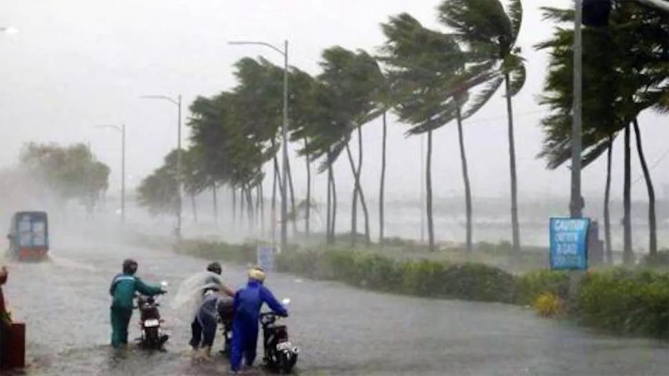 Cyclone in Gujarat: कोरोना महामारी के बीच गुजरात में तौकाते तूफान का खतरा, भारी तबाही की आशंका