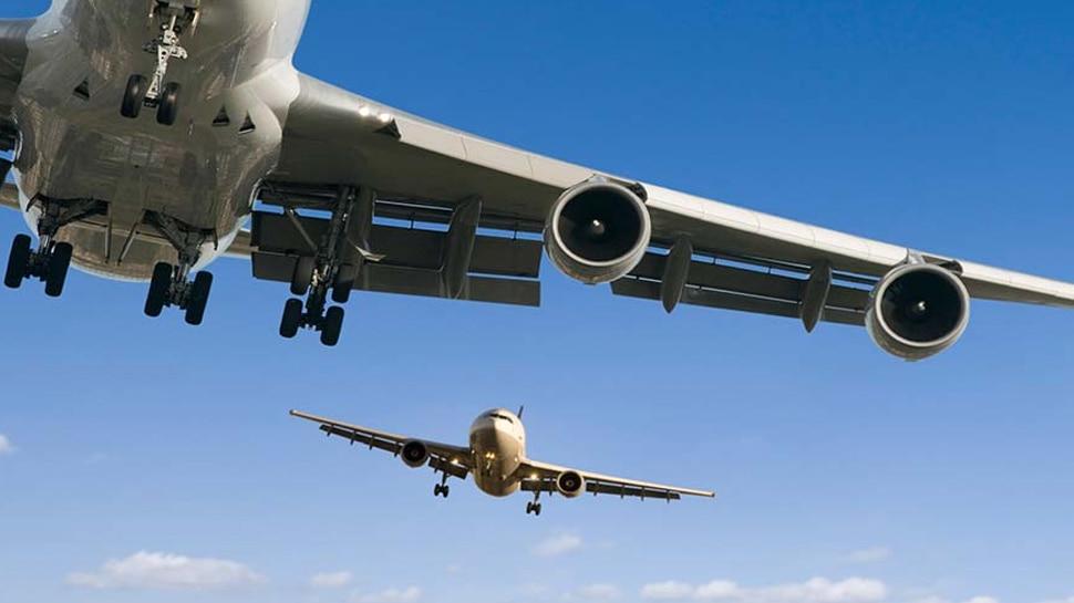 Denver Planes Collide: डेनवर में हवा में दो विमानों की भिड़ंत, कोई हताहत नहीं
