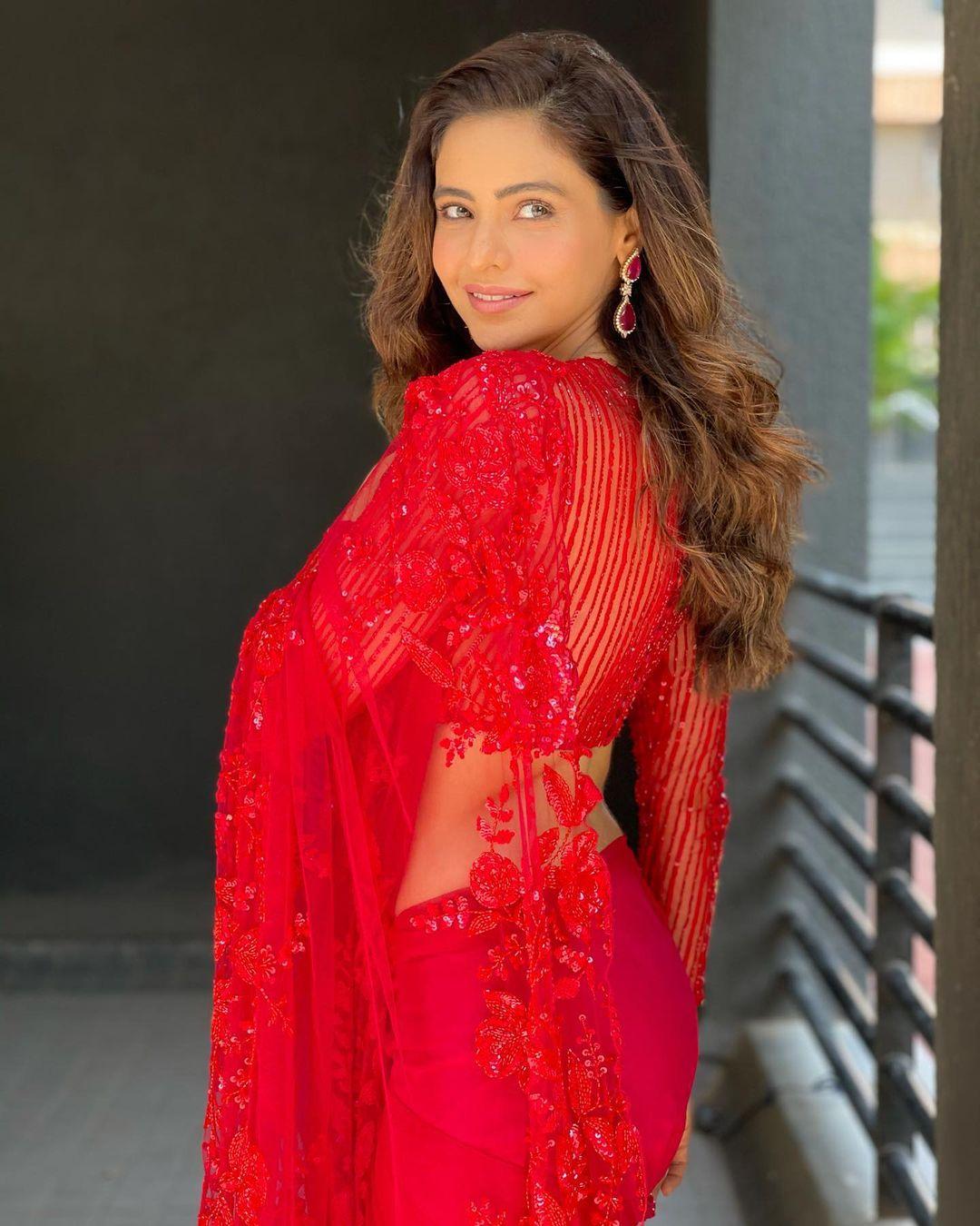 Aamna Sharif Sari Look